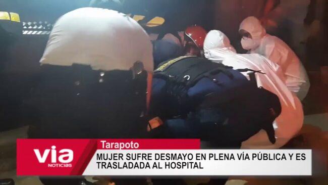 Mujer sufre desmayo en plena vía pública y es trasladada al hospital