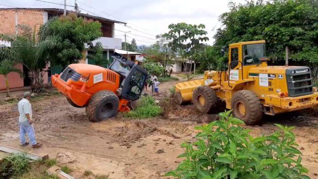 Vecinos de AA.VV. Pachacútec exigen  reconstrucción de alcantarilla