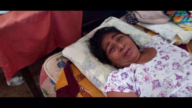 Mujer con artritis reumatoide recibe apoyo de Manos Unidas