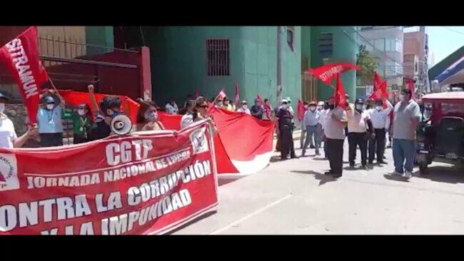 Trabajadores municipales se movilizan exigiendo derogatoria de decreto de urgencia