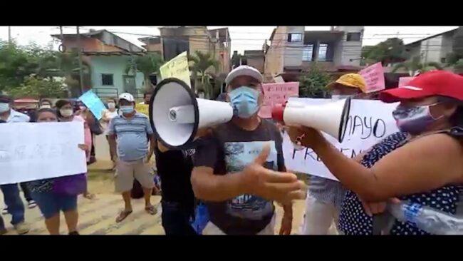 Vecinos del aeropuerto de Tarapoto protestan frente a la Dirección Regional de Transportes
