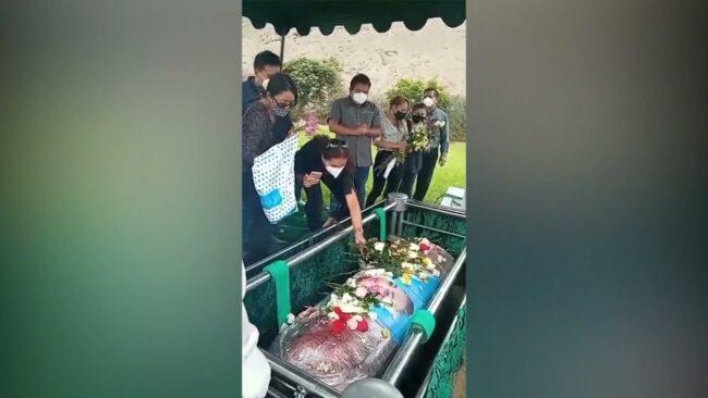 Madre e hija asesinadas en Tarapoto son sepultadas en Lima
