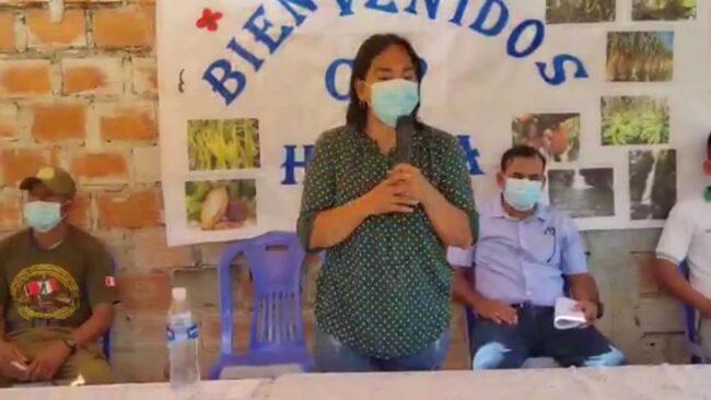Congresista Robertina Santilla visita comunidad nativa de Huaja