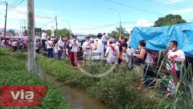 Decenas de seguidores esperaron  desde temprano a Keiko Fujimori