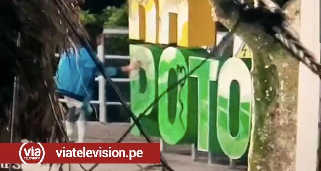 Tarapoto: pareja se volvió tendencia por realizar pintas en letras turísticas