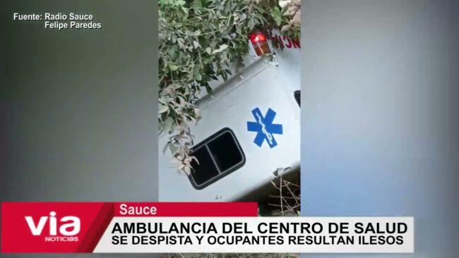 Ambulancia del centro de salud de Sauce se despista y ocupantes resultan ilesos
