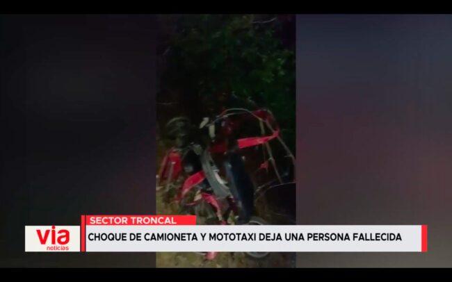 Choque de camioneta y mototaxis deja una persona fallecida