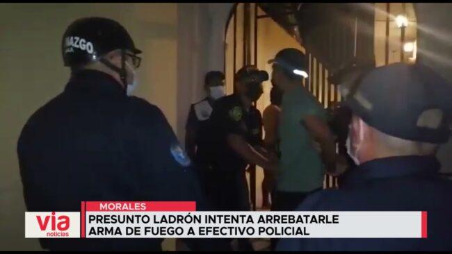 Presunto ladrón intenta arrebatarle arma de fuego a efectivo policial