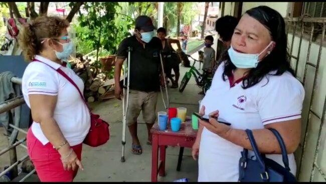 Manos Unidas entrega ayuda a  discapacitado e hijo que fueron abandonados