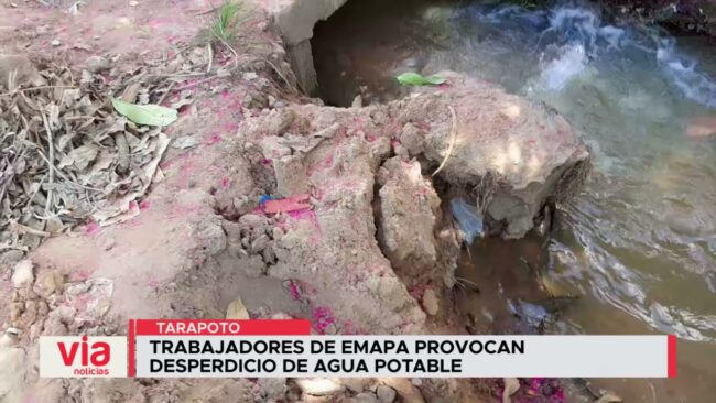 Trabajadores de Emapa provocan desperdicio de agua potable en Tarapoto